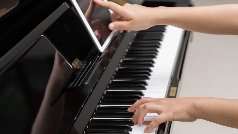 Autodidaktisch Klavier spielen lernen?